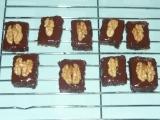 Ořechové kostky piškotové recept