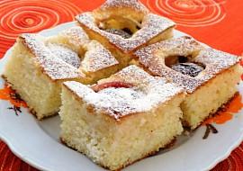 Tvarohový koláč se švestkami recept