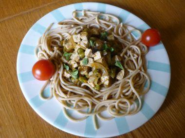 Celozrnné špagety s tofu směsí