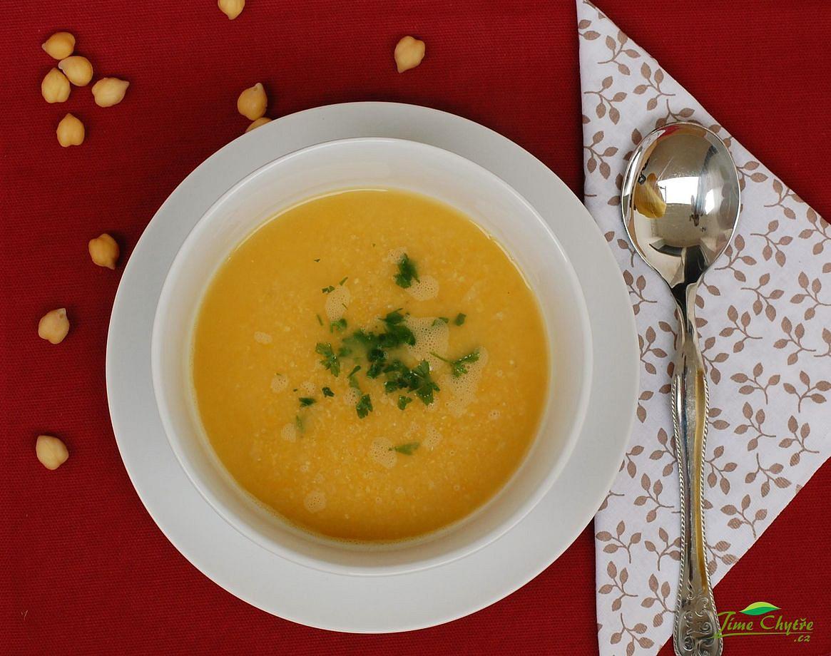 Cizrnová polévka s mrkví a celerem recept