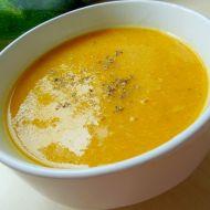 Dýňová polévka s cuketou recept