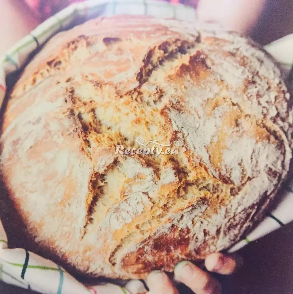 Domácí pšenično-žitný chléb recept  pečivo