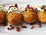 Zapečené brambory s brynzou a smetanou recept
