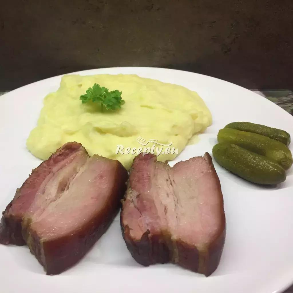 Pečený bůček s cibulkami recept  uzené maso