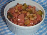 Salát ze špekáčků a fazolí recept