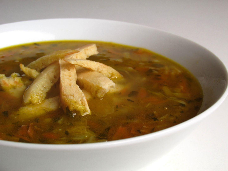 Zeleninová polévka s celestýnskými nudlemi a pestem z medvědího ...