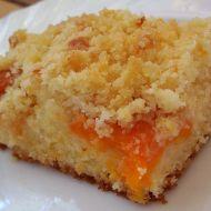Jemný meruňkový koláč s drobenkou recept