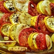 Překládaná žlutá cuketa s brambory a rajčaty recept