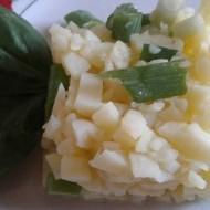 Lehký bramborový salát s jarní cibulkou recept