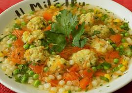 Králičí polévka se šunkovo-sýrovými knedlíčky recept