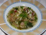 Polévka z vařených vajec, bylinek a uzeného recept