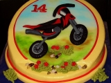 Křivý dort s motorkou recept