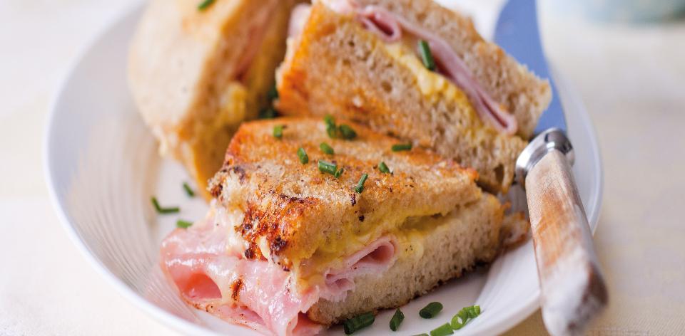 Opékané sýrové sendviče se šunkou