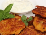 Květákové curry smaženky s mátovou rájtou recept