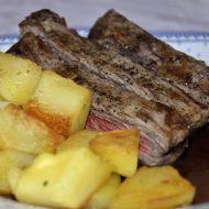 Steak s BBQ omáčkou a opékanými brambory s rozmarýnem recept ...