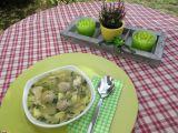 Kuřecí polévka s růžičkovou kapustou a drožďovo-slaninovými ...