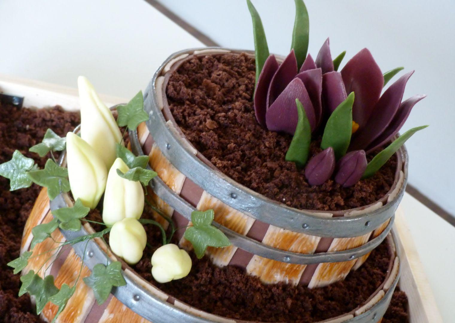Dort  květinové sudy s krokusy a břečťanem recept