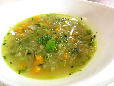 Bylinková jarní polévka