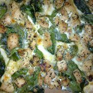 Pizza se špenátem a kuřecím masem recept