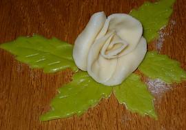 Marcipánové kytičky  postup zhotovení recept