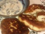Krokety[Zrazim] z brambor plnene masem a s houbovou omackou ...