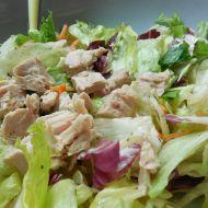 Zeleninový salát s tuňákovými kousky recept
