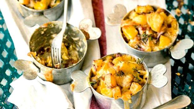 Sýrovo-bramborová hnízda Tartiflette