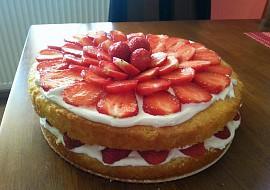 Lehký jahodový dort recept