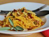 Jednoduché špagety s prosciuttem a sušenými rajčaty recept ...
