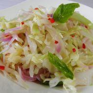 Pikantní zelný salát s chilli recept
