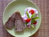 Rajčatový salát s bazalkou recept