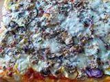 Pizza s cuketou, šunkou, žampiony atd... recept