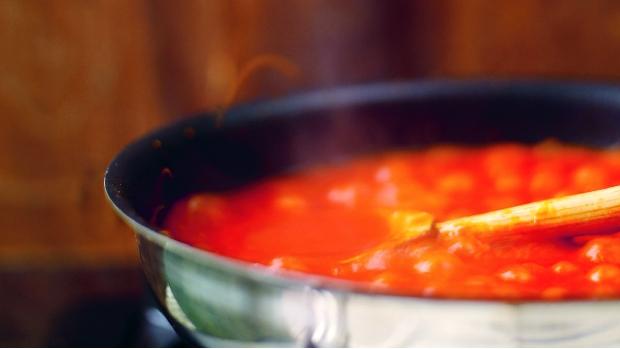 Nejrychlejší rajčatová omáčka podle Jamieho