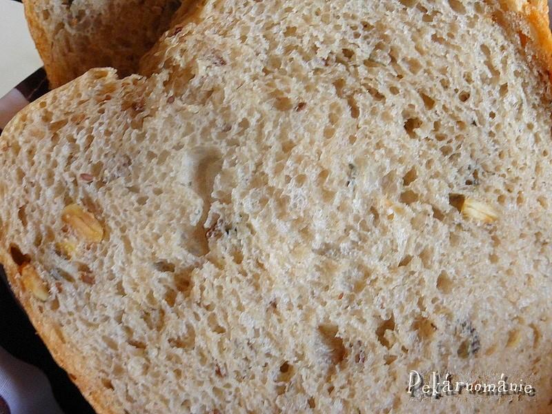Světlý chleba se semolou a dýňovým semínkem recept ...