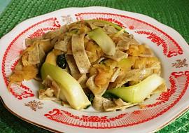 Nudle s tykví a čínským zelím v sojové omáčce recept