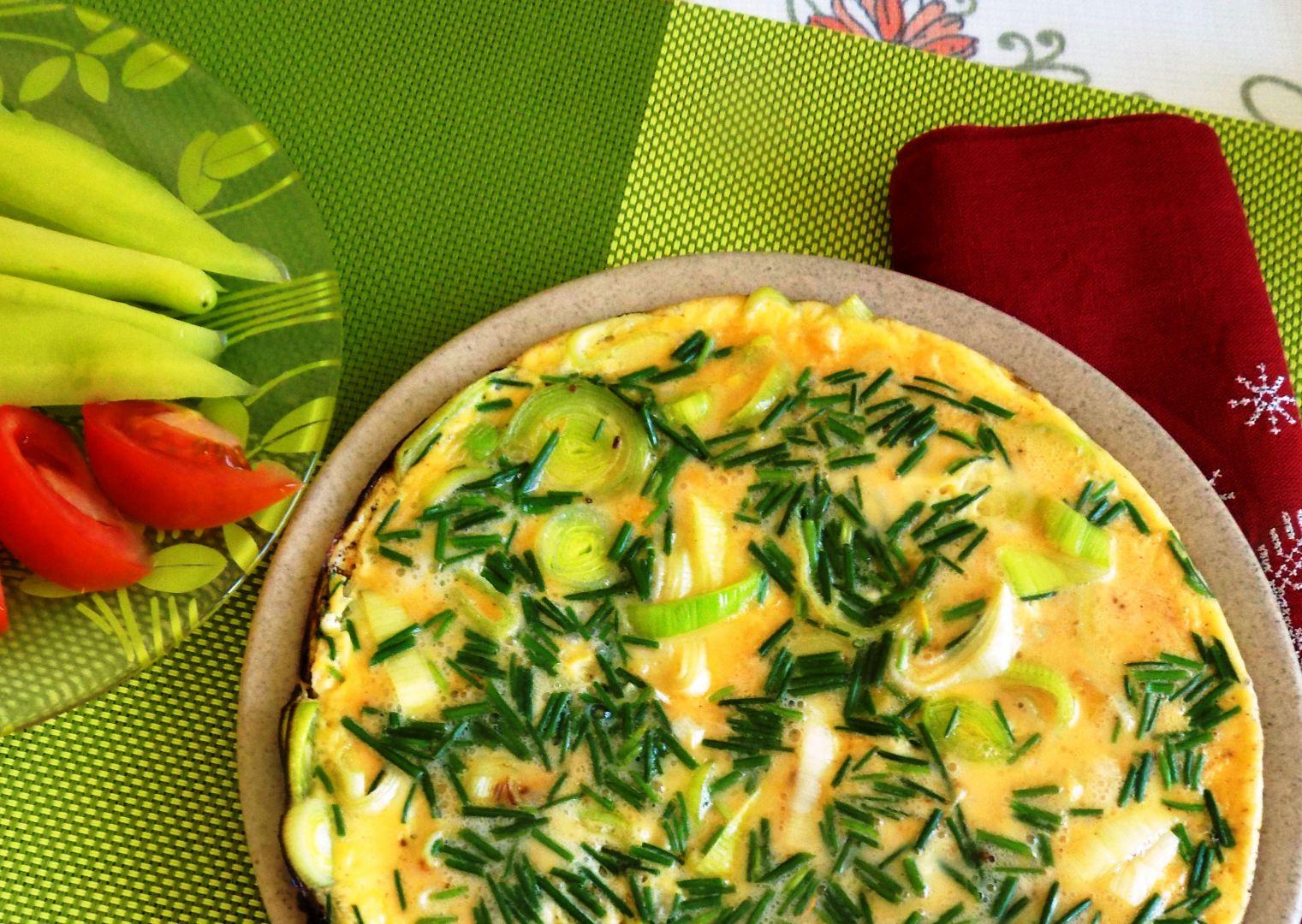 Pórková omeleta s pažitkou recept