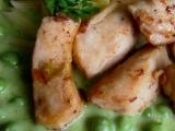Kuřecí kostky s pažitkovou omáčkou a hráškem recept  TopRecepty ...
