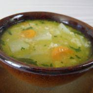 Lehká polévka s kedlubnou a vločkami recept