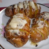Brambory pečené se sýrem recept