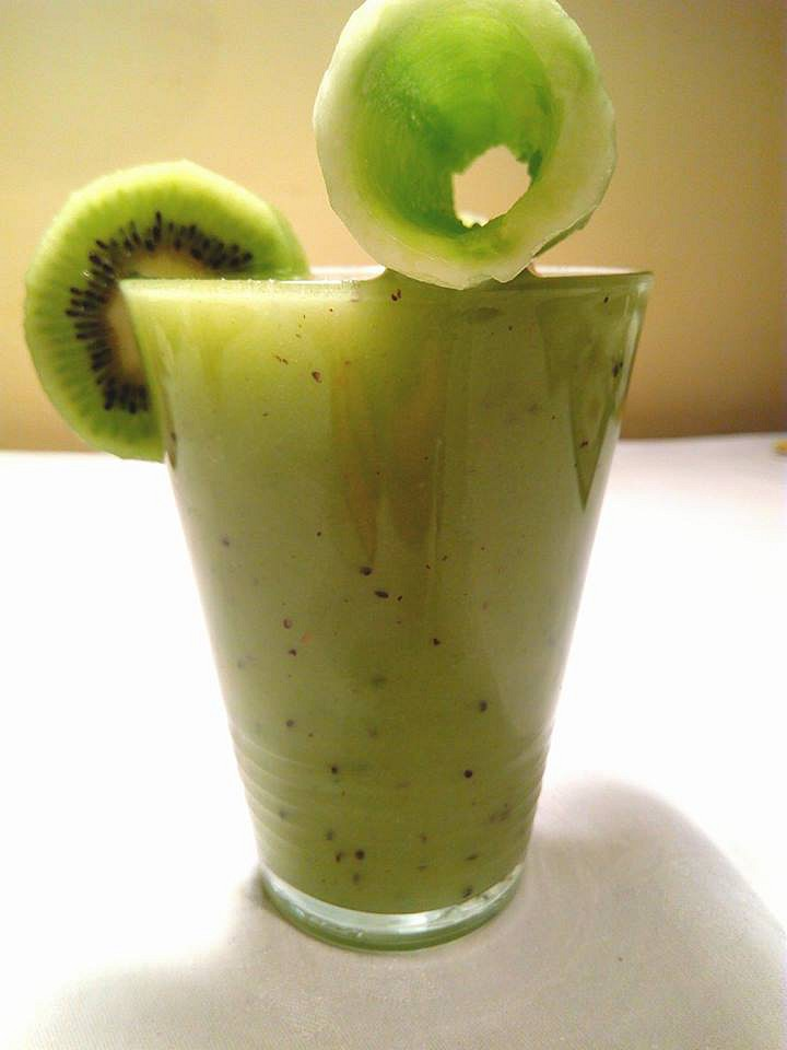 Smoothie okurka s kiwi recept
