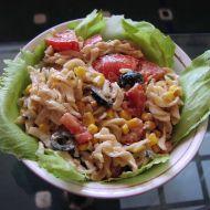 Těstovinový salát s kousky tuňáka a zeleninou recept