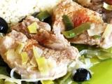 Jehněčí madailonky na pórku a olivách recept