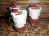 Opilý jahodový pohár s tvarohem recept
