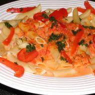 Těstoviny s paprikami a smetanou recept