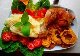 Pečená kuřecí stehna a cibulové kroužky recept