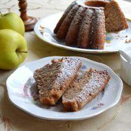 Nadýchaná jablečná bábovka s ořechy recept