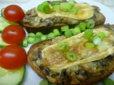 Zapečený chléb s žampionovou směsí recept