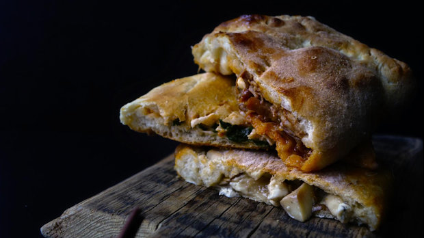 Calzone – pizza kapsa
