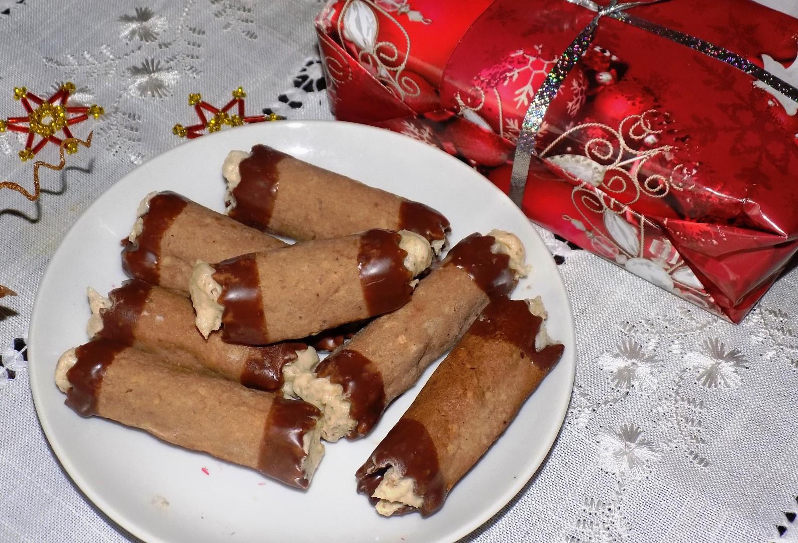 Trubičky s ořechovým krémem recept