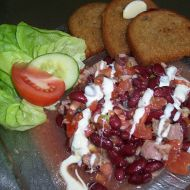 Teplý fazolový salát recept